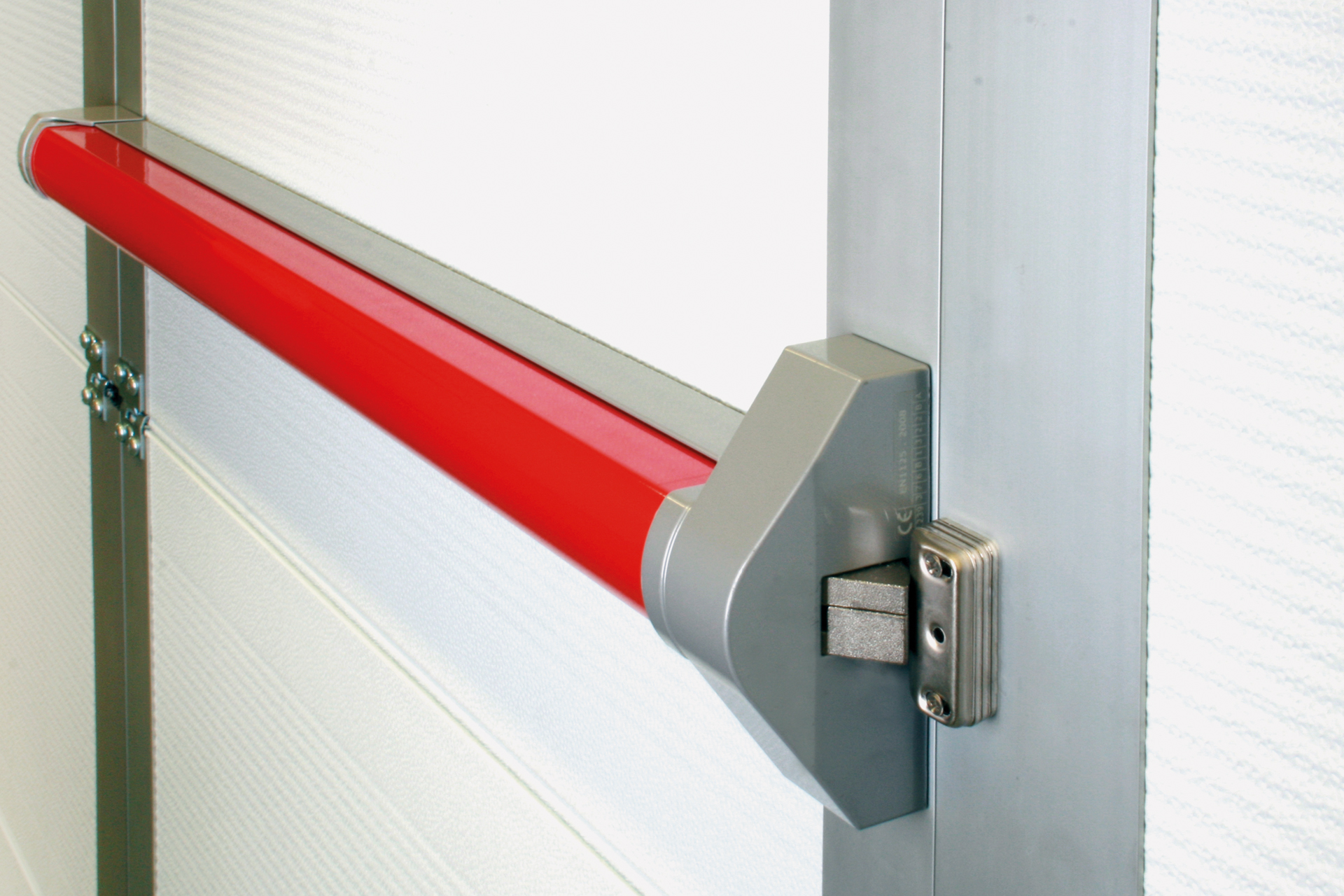 A full range of accessories like a panic bar door closers and safety switches complete the SAFESTEP offer. & Safestep pass door systems - FlexiForce